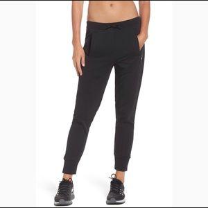 🌟Sale🌟 Nike Versa Track Pants Women
